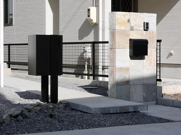 岡崎市・幸田町で外構・エクステリア・庭の設計施工を行っているサンホームズが設置したおすすめの宅配ボックス